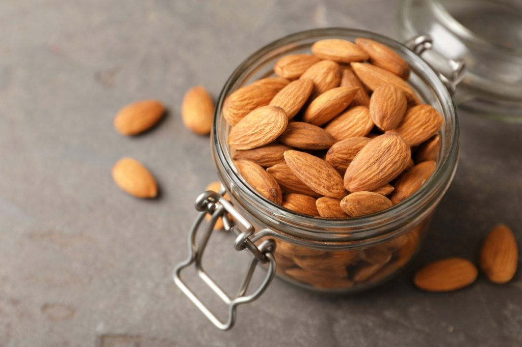 5 Health Benefits of Almonds and How to Use Them